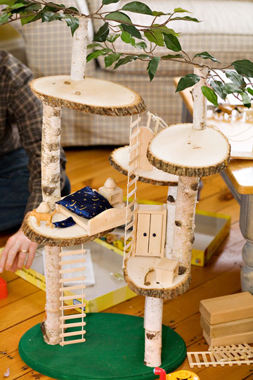 Handmade mini treehouse stitch craft for How to build a treehouse with sticks
